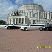 Прокат одинаковых белоснежных белых лимузина крайслер 300С, в Минске фото