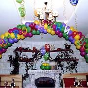 Оформление торжественных мероприятий воздушными шарами фото
