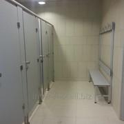 Сантехнические перегородки для детей. Проектные кабинки HPL для школ и садиков. фото
