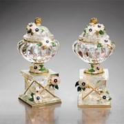 Изделия из серебра антикварные Декоративные вазы фото