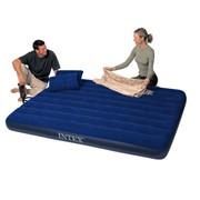 Надувной матрас Classic с подушками и насосом, 152х203х22 см фото