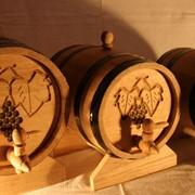 Бочки дубовые любых размеров, для пива, вина и коньяка. Дубовые бочки овальной формы фото