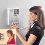 Установка частного видео-домофона в квартире. фото