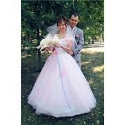 Запуск белых голубей на свадьбе и торжествах фото