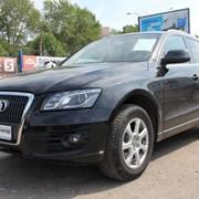 Автомобиль Audi Q5 черный фото