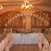 Оформление шарами юбилеев, торжеств и праздников. фото