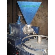 Дозировочно-наполнительный полуавтомат марки ПАД-3 фото