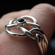 Серебряное кольцо с черным ониксом от Wickerring фото