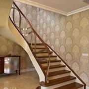 Ремонт и реставрация лестниц и лестничных ограждений фото