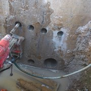 Сверление отверстий в бетоне, кирпиче. фото