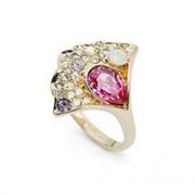 Стильное кольцо из качественного ювелирного сплава, декорированное австрийскими кристаллами фото
