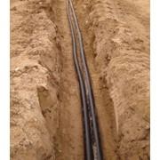 Прокладка кабеля в земле фото