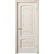 Классическая деревянная дверь фото