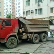 Услуги вывоза мусора самосвалом фото