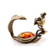 Сувенир Змейка С мышкой в рюмке фото