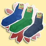 Женские носки из хлопчатобумажной пряжи плюшевого переплетения. Эта модель теплых носков, различных цветов. фото