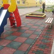 Травмобезопасное покрытие для детских площадок фото