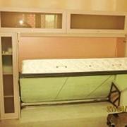 Подъемная кровать с антресолями и шкафами фото