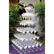 Пирамида из шампанского фото