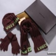 Уборы головные женские. Шапка,шарф и перчатки Louis Vuitton фото