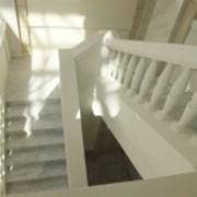 Лестницы из натурального камня фото