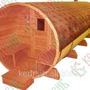 Баня-бочка из кедра длиной 5,5 метров с крыльцом фото