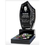 Образец надгробия памятника с цветником и гравировкой фото