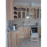 Мебель кухонная из натурального дерева фото