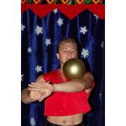 Цирковой номер акробатика, цирковой номер с обручами, цирковой номер жонглирование фото