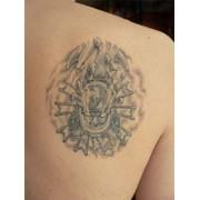 Исправление и обновление старой татуировки фото
