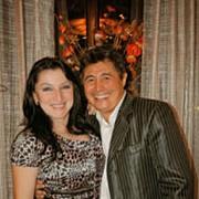Тамада-певица Гульнара и Жан Сандыбеков фото