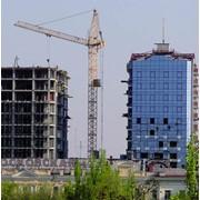 Демонтаж зданий в условиях плотной застройки фото