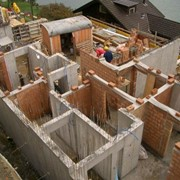 Строительство дома, коттеджа в Харькове, монолитное строительство с выкладкой простенков, проектирование. фото