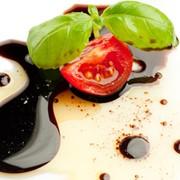 Соус-крем бальзамный белый со вкусом клубники 250мл фото