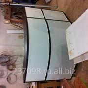 Изготовление торгового оборудования: барные стойки,витрины,стелами. фото
