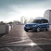Автомобиль Volkswagen Touran фото