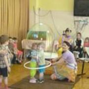 Шоу гигантских мыльных пузырей фото