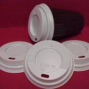 Пластиковые крышки с питейником фото