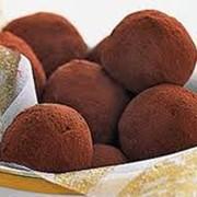 Шоколадные конфеты ручной работы трюфель с фундуком фото