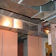 Монтаж кондиционеров, вентиляции и сплит-систем на объектах жилого и промышленного назначения фото