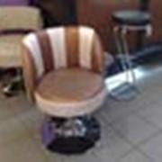 Перетяжка барных кресел и стульев фото