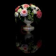 Белые и розовые розы со смородиной G-0001 фото