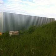 Забор из оцинкованного профнатила фото