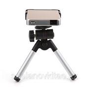Портативный светодиодный проектор для iPhone и IPad фото