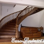 Лестница на гнутых тетивах