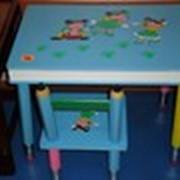 Столик со стулом фото