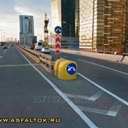 Пластиковый осевой дорожный разделительный буфер 1350x1350x1350мм без маски знака фото