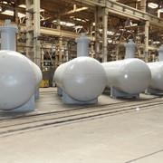 Резервуары для хранения и выдачи сжиженных газов. фото