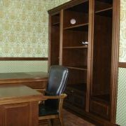 Мебель для домашнего кабинета из дерева фото