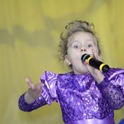 Обучение детей эстрадному вокалу и хореографии фото